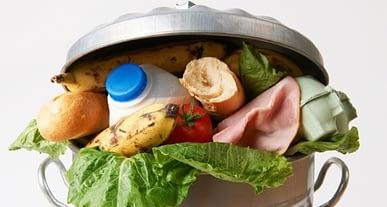 Türkiye'de en fazla meyve sebze ile süt ürünleri çöpe atılıyor!